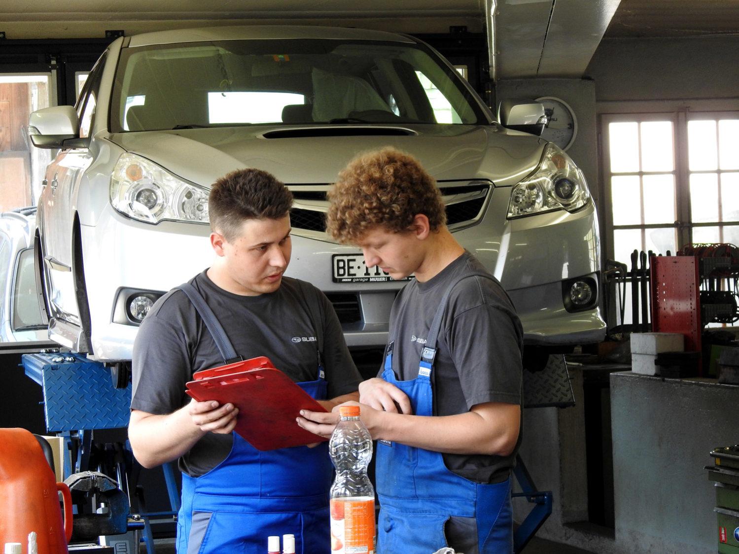 Garage Müller bildet Lehrlinge aus